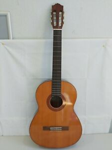 Yamaha Full Size Classical Guitar R1T