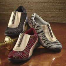 NEW WOMENS SIZE 6.5 W RED GOLD METALLIC ACCENT ZIP TRANSIT SHOE by ANDIAMO
