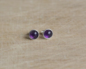 925 Sterling silver stud earrings with 6 mm natural Amethyst