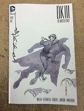 DKIII Batman Dark Knight 3 #1 HEROES - BRIAN STELFREEZE  B&W Variant SIGNED