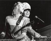 ELTON JOHN PHOTO 1982 UNIQUE UNRELEASED IMAGE + DAVEY JOHNSTONE  EXCLUSIVE GEM