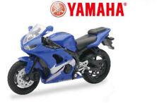 Voitures et motocyclettes de modélisme radiocommandées bleus 1:18