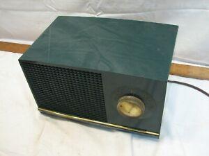 RCA Victor 3-X-533 Dark Emerald Green Case Art Deco Vacuum Tube Am Radio 1950s