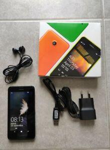 Nokia Lumia 635 8go complet + batterie supplémentaire.