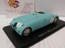 Modell-Rennfahrzeuge von Bugatti im Maßstab 1:43