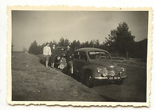 Voitures Renault 4CV + famille - Photo ancienne an. 1950