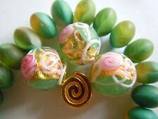 Elegante Wedding Cake Pale Green Opal Round Murano-Perlen -12mm- Echtgoldmitte