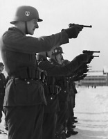 WW2 WWII Photo German Soldiers Practice Luger P08 Pistols World War Two / 2550