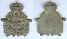 Cap badge - Royal Canadian Air Force - Per Ardua Ad Astra moulé en plomb