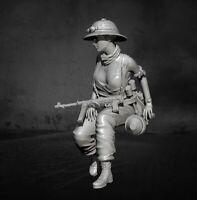 Resin Model Tank Soldier Female Model Scale 1-35 Unassembled Unpainted Figure
