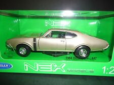 Welly Oldsmobile 442 1968 Champagne Gold 1/24