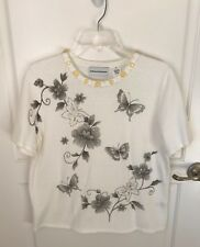 ALFRED DUNNER LIGHTWEIGHT WHITE SWEATER WITH GRAY BUTTERFLY DESIGN SIZE SMALL