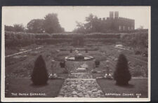 Middlesex Postcard - The Dutch Gardens, Hampton Court    T400