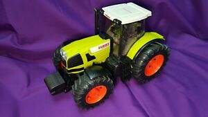 Bruder Claas Atles 936 RZ - 1/16th scale. pre-owned in great condition