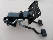 1970 FORD MUSTANG, Mach 1 / COUGAR CLUTCH PEDAL ASSEMBLY FOR MANUAL BRAKES