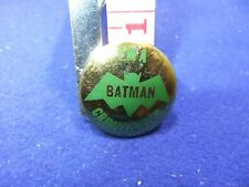 vtg tin badge batman 1966 crimefighter green gold tv series gum comic premium