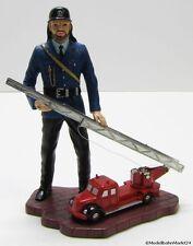 SCHUCO piccolo Figur mit Magirus Deutz Feuerwehr Maßstab 1:90