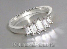 Emerald White Gold SI1 18 Carat Fine Diamond Rings