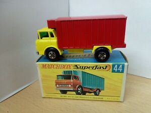 P20-MATCHBOX SUPERFAST MB44-A GMC REFRIDGERATOR TRUCK AND BOX
