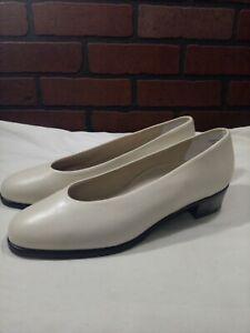 Munro American Bone Leather Slip On Dress Comfort Shoes Women's 9 W Metro Bone