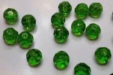 10 grosses perles rondes à facettes verre 10mm vert