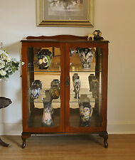 Elegant Vintage Mahogany Queen Anne Mirror Back Display / Crystal /China Cabinet