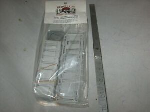 A5983 HO RED CAP LINES RCL-100 UNIVERSAL COACH PARTITION plastic kit