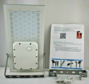 Solar Street Light // HEX 780X Solar Ambience Street Light (Warm White LED)