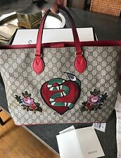 GUCCI Snake GG Supreme tote kingsnake, heart and flowers