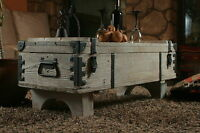 Alte Truhe Kiste Tisch shabby chic Holz Beistelltisch Holztruhe Couchtisch 16B