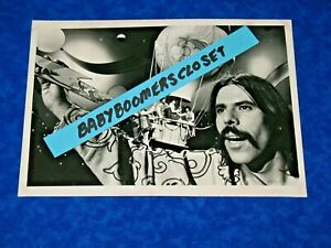 Orig. Press Photo PETER MAX 5TH DEMENSION PUBLICITY SHOOT 1972  UP UP & AWAY