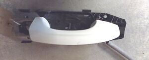 16003 H7B 13-17 MK3 5F SEAT LEON 3DR OSF DRIVERS SIDE FRONT DOOR HANDLE IN WHITE