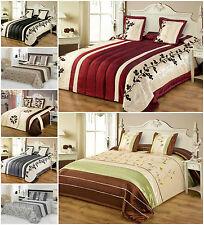 Tagesdecke mit Kissenbezüge Satin 240x260 2x 45x45 Glänzend Bettüberwurf