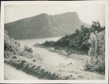 New Zealand, Waikaremoana Lake  Vintage silver print.  Tirage argentique  8x