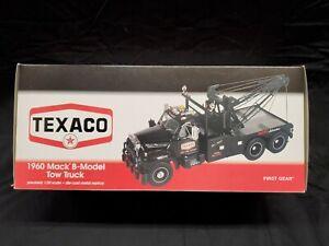 1960 Mack Model Tow Truck Texaco Marfak First Gear 1:25 49-0012 Black