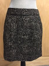 GAP mini skirt Pockets black pattern SIZE 2 zipper in back Lined (Q179)