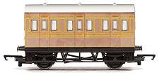 Hornby R4674 LNER 4 Wheel Passenger Coach Teak OO Gauge BNIB - Era 3
