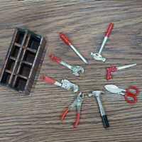 1:12 Puppenstube Werkzeug Puppenhaus Bohrmaschine Miniatur Werkzeugkasten G H5E2