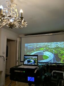 Projection design F80 BARCO 8500 LUMENS church, pub, DJ, VJ big screen projector