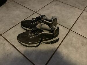 Sketchers Sneakers 10.5 Mens