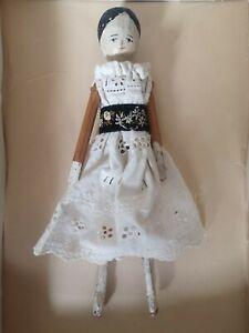 Vintage Grodnertal 25 cms Tall Dutch Peg Penny Wooden Doll broken leg