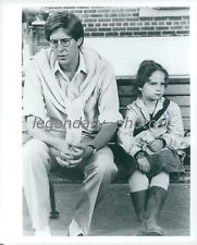 Edward Herrmann and Mara Hobel on Bench Original News Service Photo