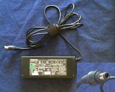 Caricabatterie Originale AC TOSHIBA PA3283U-1ACA PA3378E-1ACA 15V 5A 75W 6.5mm/