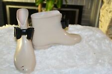 BEIGE /BLACK RAIN SNOW WATERPROOF BOW ANKLE BOOTS { SZ.7}