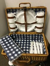 Large Wicker Picnic Basket w/ 4 pc Place Setting Plastic Plates, Cups & Utensils