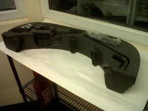 SAAB 9-3 93 Rear Foam Plastic piece w/ Tool Kit 1998 - 2003 5217849 5298757
