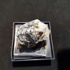 Oro nativo su matrice (native gold on matrix), California (USA)