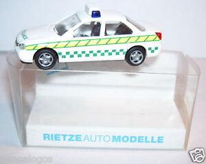RIETZE HO 1/87 FORD MONDEO GHIA AMBULANCE IN BOX