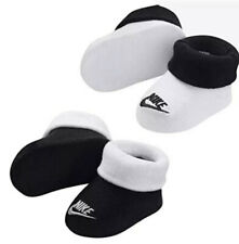 New Nike Newborn Booties 0-6 Months Black & White /White & Black - 2 Pair