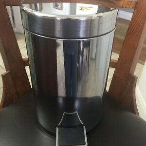 Round Small Trash Can Garbage Container Bin for Bathrooms Kitchens Home Offices